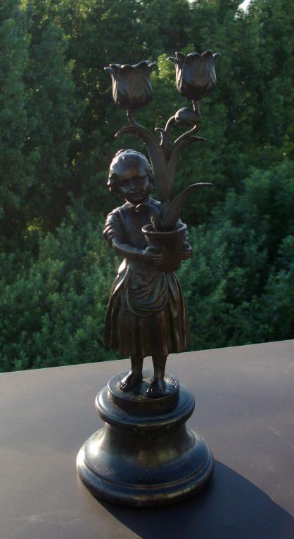 ART DECO 1930 BRONZE STATUE 'FLOWER GIRL CANDLE HOLDER' - SIGNED BECQUEREL