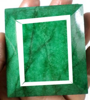 1020ct+ Certified Huge Natural Emerald