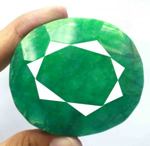 Huge Natural Emerald Gemstone Oval Cut & Facetted