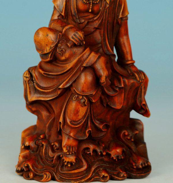 Japan Edo Period Hand Carved Kwan Yin in Buxus Wood