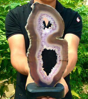 Natural Agate/Amethyst Geode – 470gr (1.03 Lb)