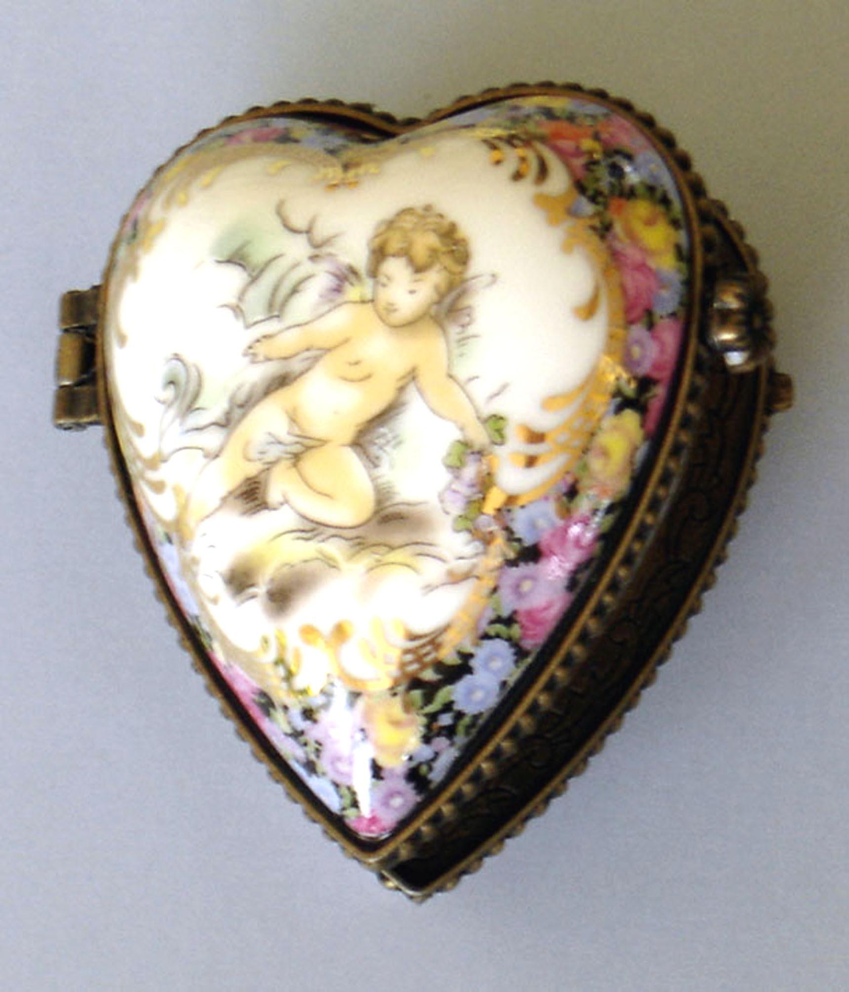 Limoges Porcelain Heartshaped Photo Holder