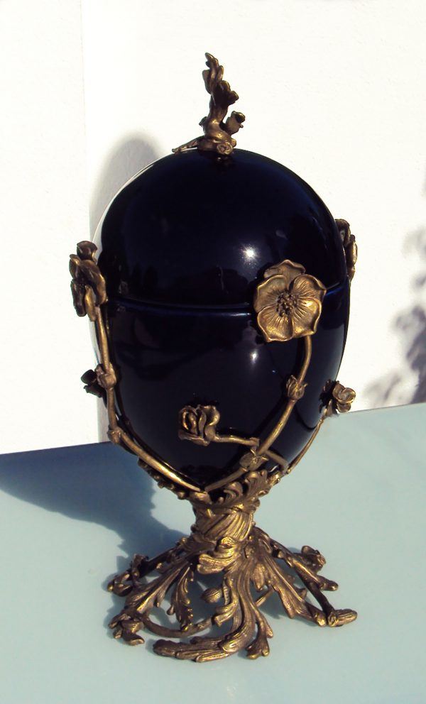 Art Deco Vase with Lid and Bronze Ornaments/Feet